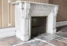 Appartement T4 avec parquets points de Hongrie hauteur sous plafond moulures chemines doubles portestravaux prvoir mais avec lments dauthenticit superbes conservs