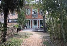 Maison en chartreuse avec jardin de 180 M2 en pleine proprit entirement rnove parkingA quelques mtres de la cathedrale St Etiennecalme absolu